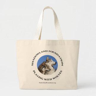 オオカミと遊ぶこと ラージトートバッグ