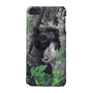 オオカミのカブス野性生物サポータIPodの箱 iPod Touch 5G ケース