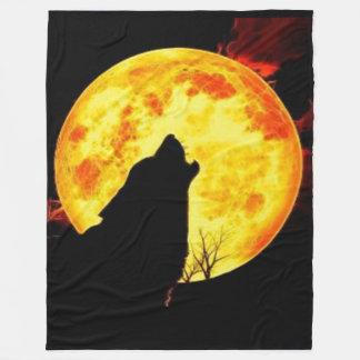 オオカミの月 フリースブランケット