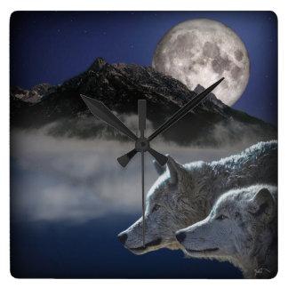 オオカミの精神 スクエア壁時計