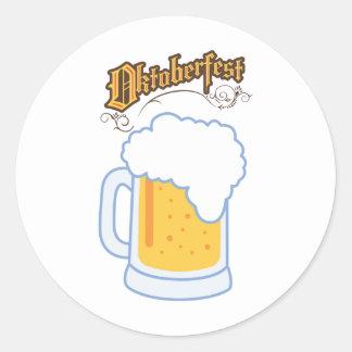 オクトーバーフェスト文字およびビール ラウンドシール