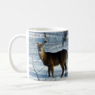 オジロ鹿シカ(冬)のマグ コーヒーマグカップ