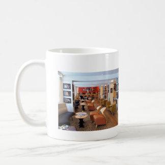 オスロのホテルのロビー、オスロのホテルのロビー コーヒーマグカップ