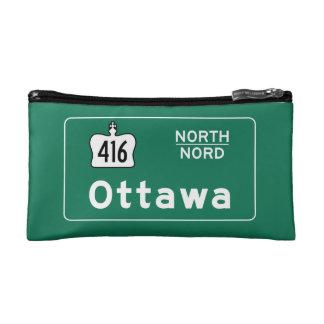 オタワ、カナダの交通標識 コスメティックバッグ