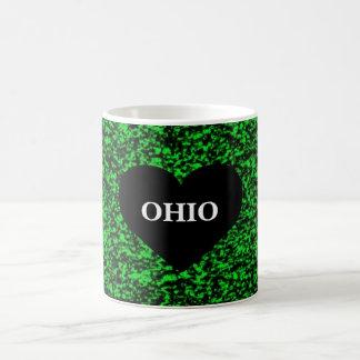オハイオ州のハートの緑 コーヒーマグカップ