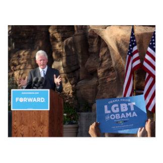 オバマの再選のためのクリントンが付いているLGBTサポータ ポストカード