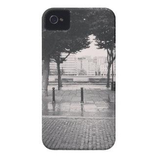 オフィスに戻って歩くこと Case-Mate iPhone 4 ケース