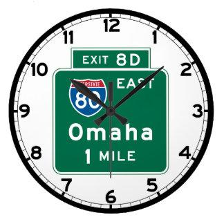 オマハのNEの交通標識 ラージ壁時計
