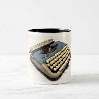 オメガ2のタイプライター ツートーンマグカップ