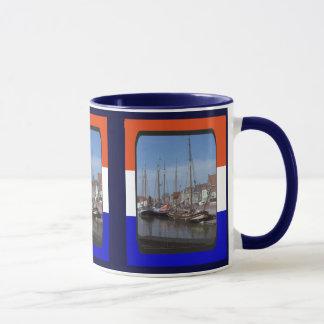 オランダの取引容器、Enkhuizenの港 マグカップ