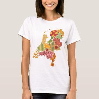 オランダの地域の地図のボヘミアのパッチワークのスタイル Tシャツ
