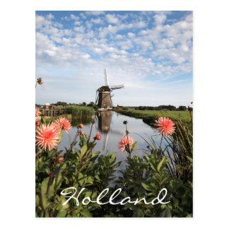 オランダの風車そしてピンクのダリアの花 ポストカード