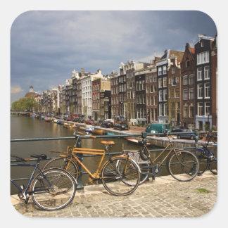 オランダ、アムステルダム。 運河の眺めからの 正方形シール・ステッカー