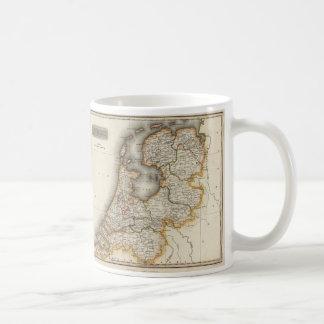 オランダ(1817年)のヴィンテージの地図 コーヒーマグカップ