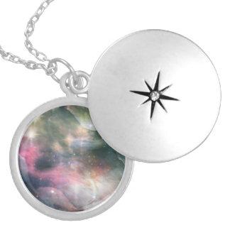 オリオンの星雲の宇宙の銀河系の曇ったネックレス2 ロケットネックレス