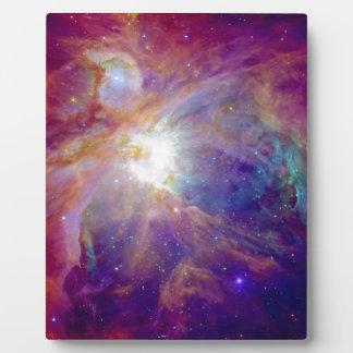 オリオンの星雲の暗い赤紫色ピンクNASA フォトプラーク
