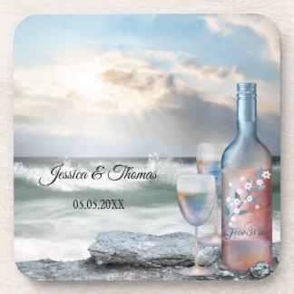 オリジナルによって絵を描かれるビーチおよびワインの結婚式のコースター コースター
