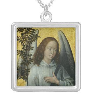 オリーブの枝を握る天使 シルバープレートネックレス