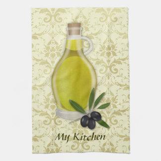 オリーブ油のボトルおよびダマスク織パターン キッチンタオル