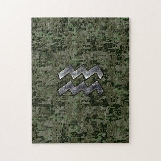 オリーブ色のデジタル迷彩柄のアクエリアスの(占星術の)十二宮図の記号 ジグソーパズル
