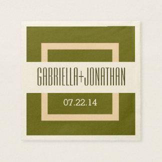 オリーブ色のベージュ色の結婚式の新郎新婦の日付V07 スタンダードカクテルナプキン