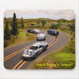 オレゴンで競争するNASTE マウスパッド