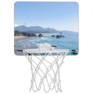 オレゴンの沿岸視点 ミニバスケットボールゴール