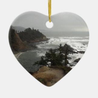 オレゴンの美しい海岸 陶器製ハート型オーナメント