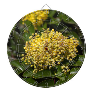 オレゴンブドウの薮の花 ダーツボード
