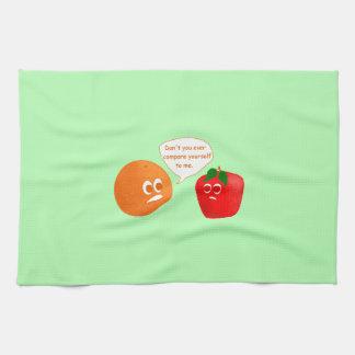 オレンジとりんごを比較しないで下さい キッチンタオル
