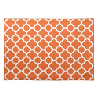 オレンジのクラシックなクローバーのクローバーパターン ランチョンマット