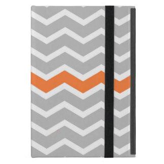 オレンジのストライプとのシェブロンの灰色および白いジグザグ形 iPad MINI ケース