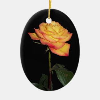 オレンジのバラの楕円形のオーナメント セラミックオーナメント