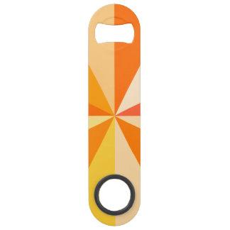 オレンジのポップアートのモダン60sファンキーで幾何学的な光線 スピードボトルオープナー