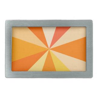 オレンジのポップアートのモダン60sファンキーで幾何学的な光線 長方形ベルトバックル