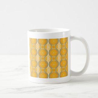 オレンジの元のレトロのデイジーパターン コーヒーマグカップ