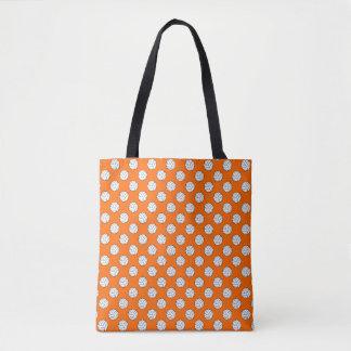 オレンジの白黒のバレーボールの球 トートバッグ