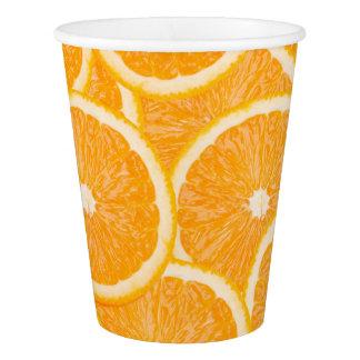 オレンジは紙コップをスライスします 紙コップ
