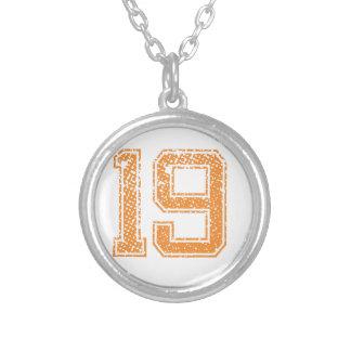 オレンジはJerzee数19.pngを遊ばします シルバープレートネックレス