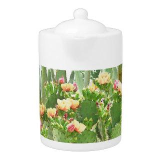 オレンジウチワサボテンサボテンの開花の茶ポット
