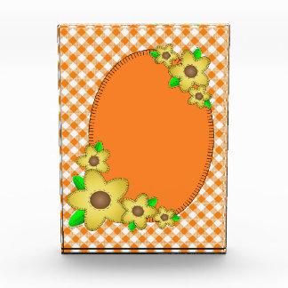 オレンジギンガムおよび花の背景賞 表彰盾