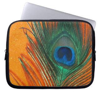 オレンジグリッターの静物画が付いている孔雀の羽 ラップトップスリーブ