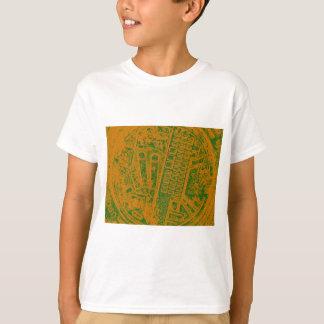 オレンジグリーンマンの穴カバー Tシャツ