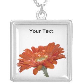 オレンジデイジーのガーベラの花 シルバープレートネックレス