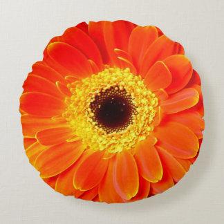 オレンジデイジーの花の円形の装飾用クッション ラウンドクッション