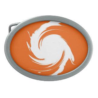 オレンジヴィンテージ白い渦巻の抽象美術 卵形バックル