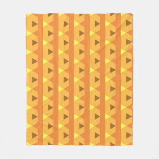 オレンジ三角形 フリースブランケット