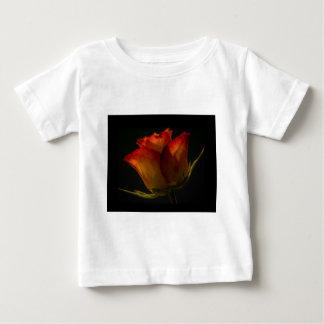 オレンジ及び黄色バラ ベビーTシャツ