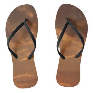 オレンジ日没の双安定回路の靴 ビーチサンダル