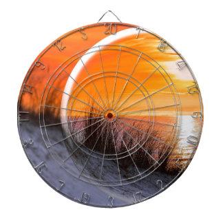 オレンジ日没を反映するガラス球 ダーツボード